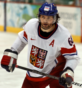The apparently unkillable Jagr will be sharing some ice time with Lu to finish the season. Image: S.Yume / Flickr