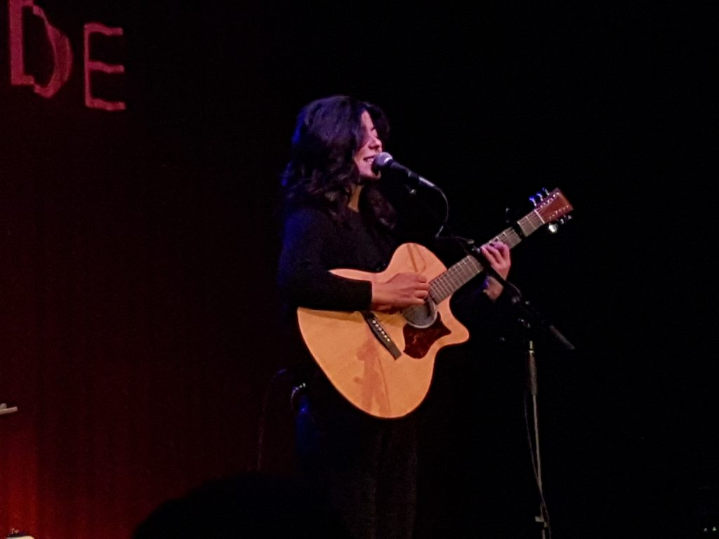 Daniela singing
